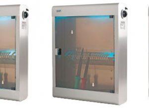 Esterilizador de Facas de diversas dimensões, construção base material lavável e higienizado, normalmente com lâmpadas germicida UV para esterlizar .