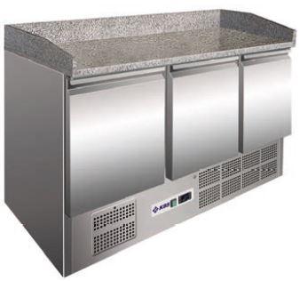 Bancada refrigerada Pizzas ,Tampo pédra com Abas Laterais ,Reserva inferior de capacidade 2 contentores GN 1-1 por porta, Modelo de 3 Portas